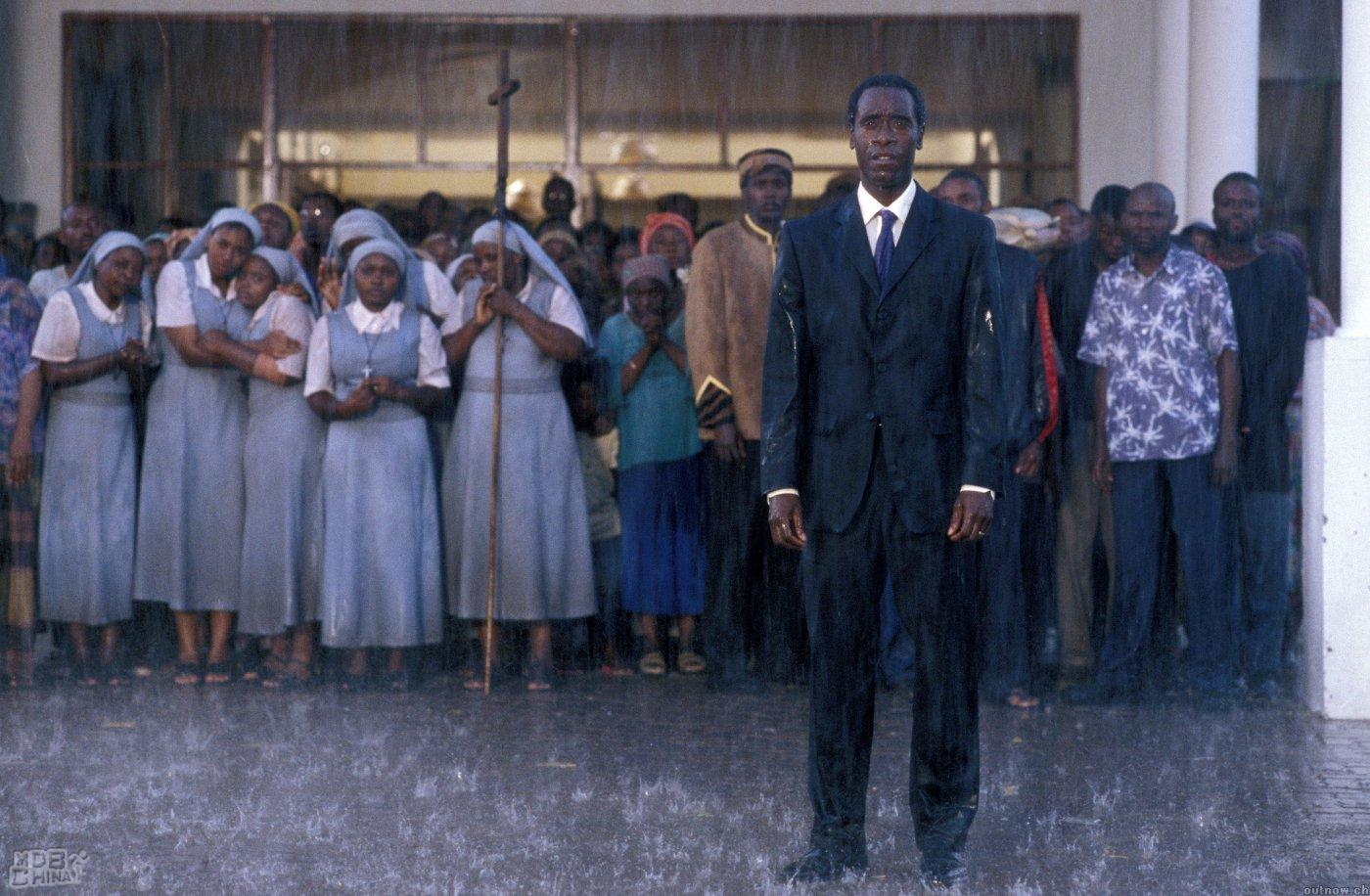 卢旺达大饭店_卢旺达饭店(2004)的海报和剧照 第26张/共51张【图片网】